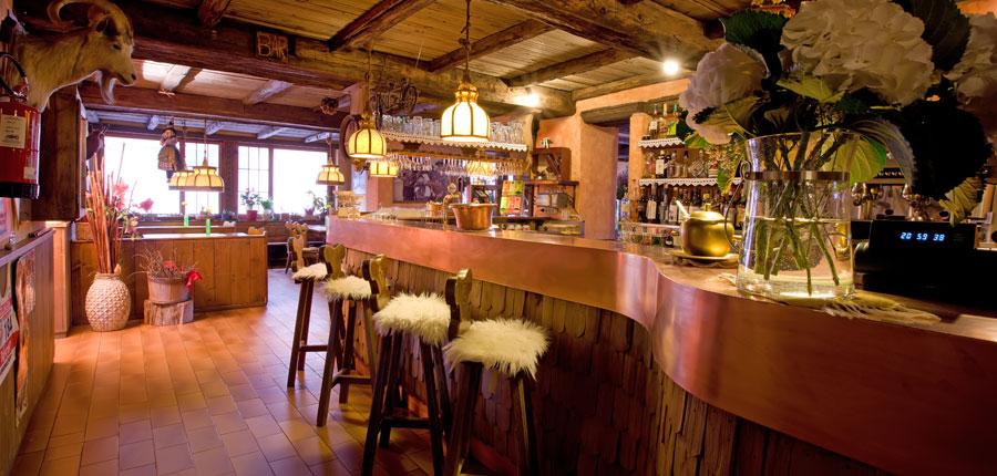 italy_livigno_hotel-la-montanina_bar.jpg
